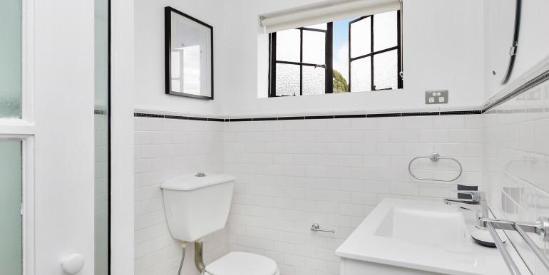 117 ECS - bath