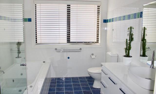 main bathroom pengilly